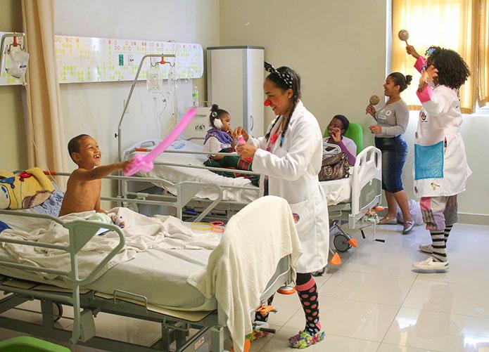 Misión Felicidad en visita a hospital
